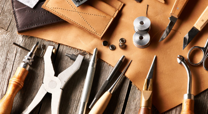 leatherworking_tools-726x400